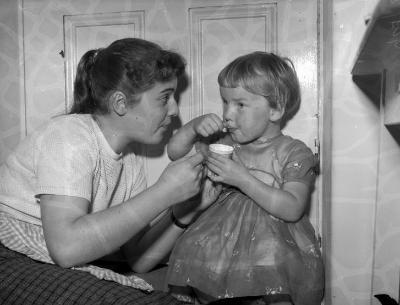 Dawnswyr Gwyddelig yn Llyn, 1958