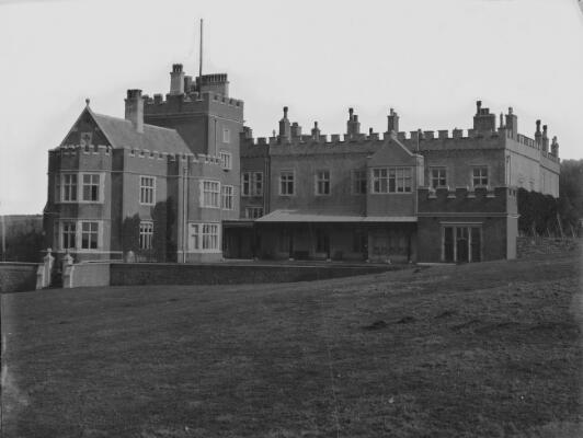 Castell Dwnrhefn, Southerndown, Pen-y-bont ar Ogwr