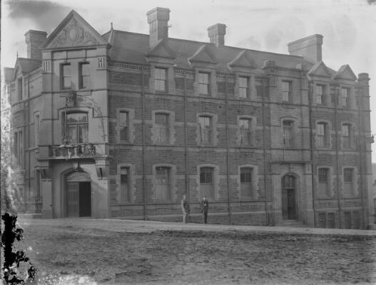 County Hotel, Ebbw Vale