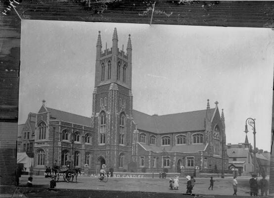 Eglwys Wesleaidd, Heol Albany, Caerdydd