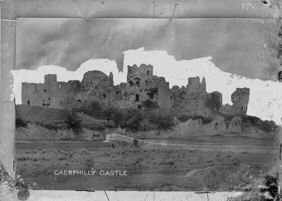 Caerphilly Castle, Photograph