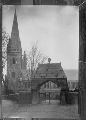 Eglwys Gadeiriola Phorth yr Eglwys, Llandaf