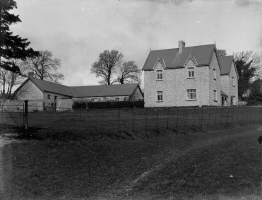 Stoll Court Farm, Llanblethian