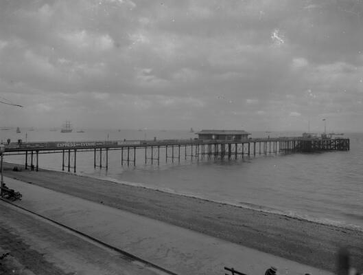 Pier; Penarth
