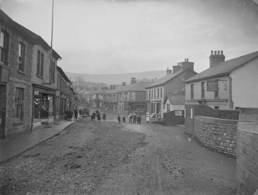Commercial Street looking west, Pontnewydd