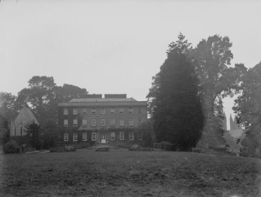 Llandaff Bishops Palace and grounds