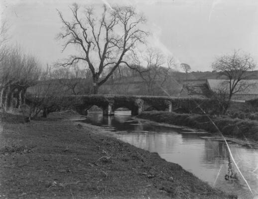 River Thaw & Bridge, Llanblethian