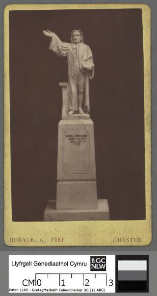 Statue of Daniel Rowlands, Llangeitho