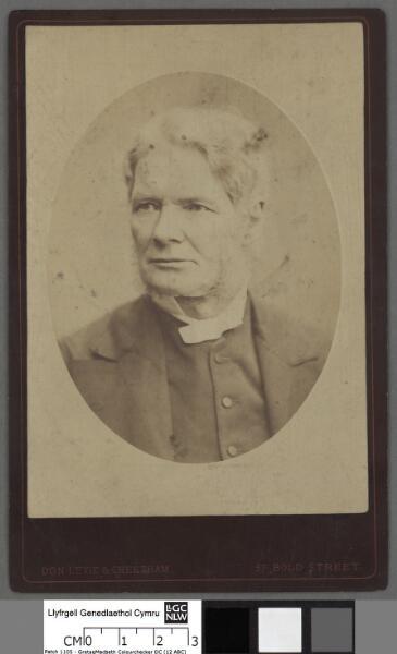 Dr. Owen Thomas