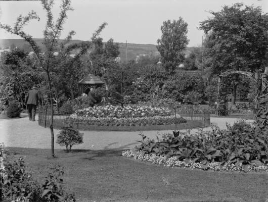 Victoria Park; Swansea