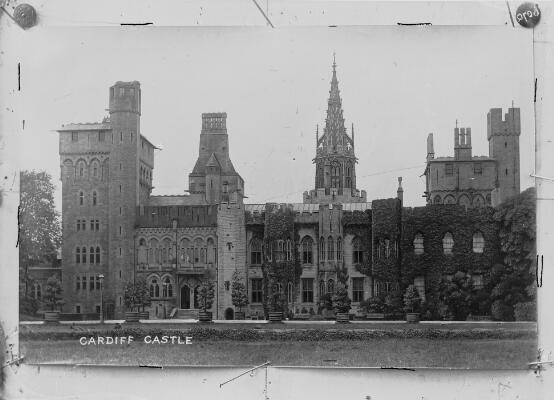 Photograph of Cardiff Castle