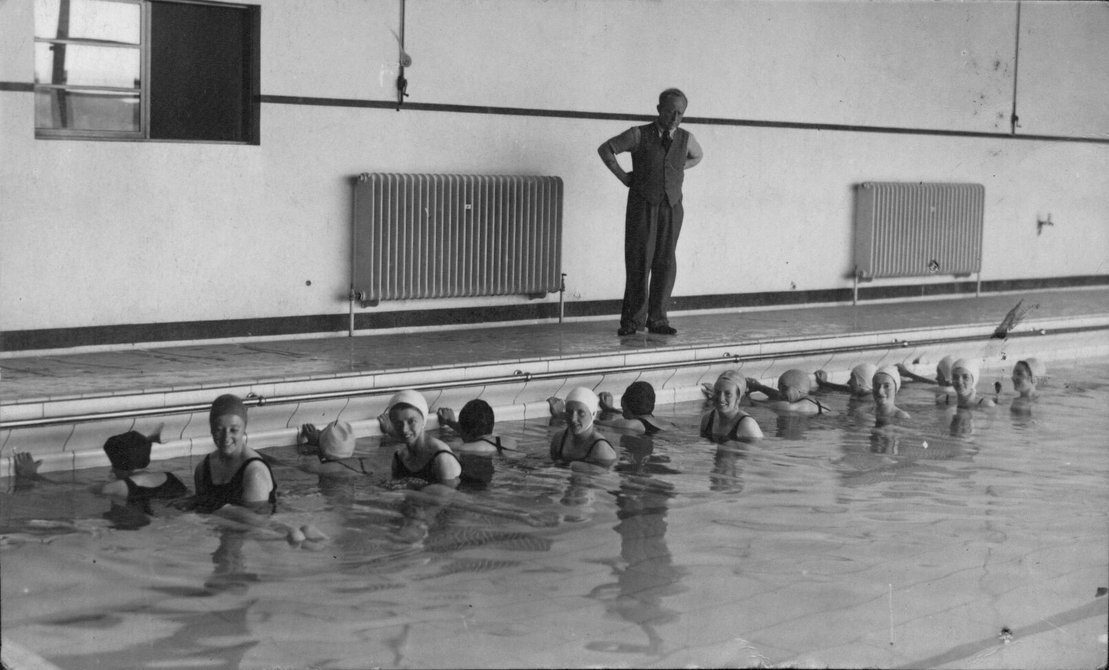 Ucw Aberystwyth Swimming Pool Jimmy Blais 1950s Peoples Collection Wales
