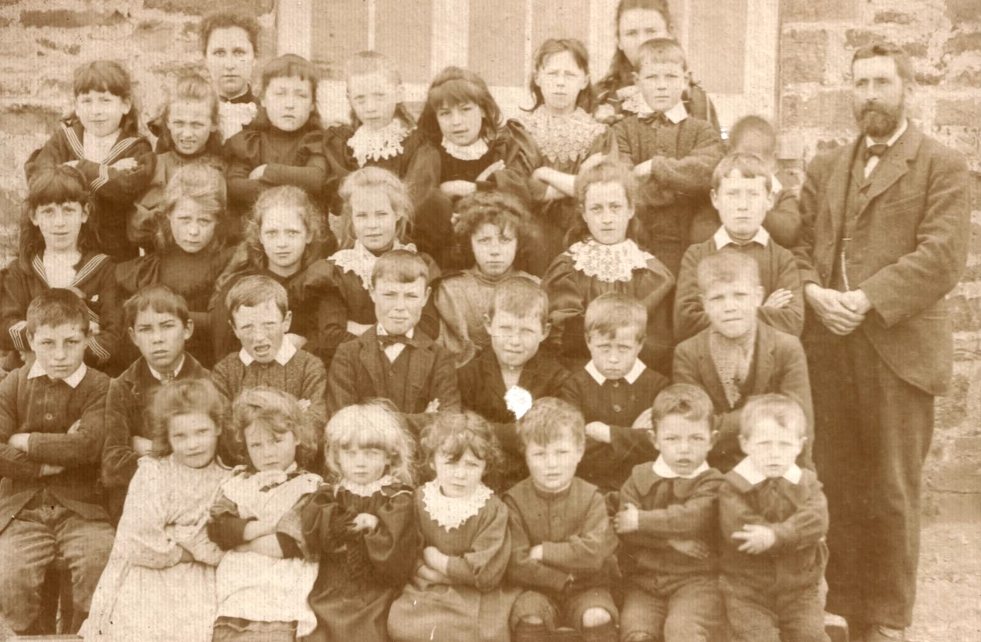 Moylgrove School - a brief history