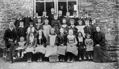 Llanfihangel y Creuddyn School c. 1906