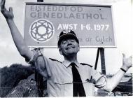 Tecwyn Blainey and Eisteddfod sign, 1977