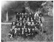 Beirdd yn castell Rhuthun, Eisteddfod 1868