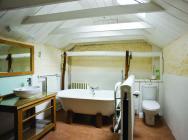 Bathroom at Pontbrenmydyr