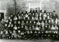 The children of Blaen-ffos School, 1915