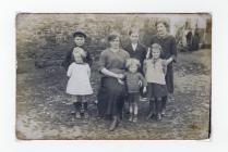 Gwraig a phlant Tom James, Penffynnon, Cwmystwyth