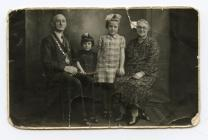 Photograph of the Mayor and his family, 1942