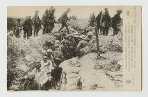 Postcard showing German prisoners, Somme, 1914...