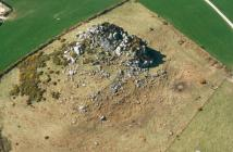 POLL CARN, POSSIBLE ENCLOSURE
