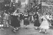 Llangollen. Eisteddfod-Dancers