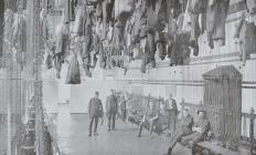 Y tu fewn i'r Baddonau Glo Ager, Treharris, 1916