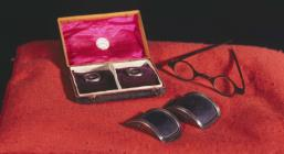 Shoe buckles and spectacles said to have...