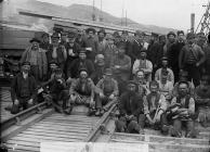 A group of workers, Aberdyfi, c. 1885