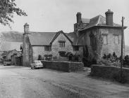 Cefn ffermdy Penywrlodd ger Llanigon, c. 1960