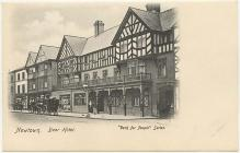 Gwesty'r Bear, Y Drenewydd, tua'r flwyddyn 1900