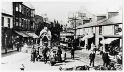 Y ffowntan, Taff Street, Pontypridd, tua 1890-1910