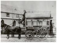 Bws dau geffyl, Caerdydd, 1902