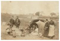 Sipsiwn ym Mharc newydd y Rhath, Caerdydd, 1890