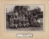 Darlun o ddosbarth Ysgol Gynradd Casllwchwr 1960