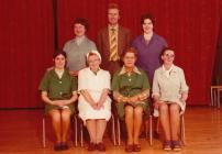 Staff y gegin a'r prifathro - Casllwchwr County Primary School