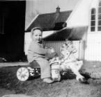 Plentyn mewn cert a cheffyl, 1959