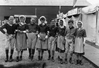 Parti'r Gest Cystadleuwyr dawnsio gwerin Eisteddfod Genedlaethol 1955