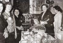 Bring & Buy, Capel Meidrim, ddiwedd 1950au
