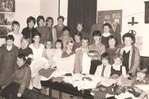 Ffair sborion Ysgol Sul er budd Oxfam, 1985