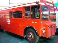 Bws AEC Routemaster yn Amgueddfa Fysiau Abertawe