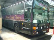 Bws Merlin's Coach Tours yn Amgueddfa Bysiau Abertawe