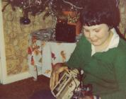 Michael Green, Llanbed, gyda'i degan rheolaeth bell, Nadolig 1980
