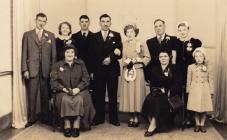 Priodas Joan a Ken Lewis, Eglwys Cribyn
