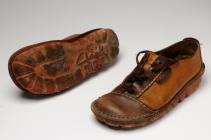 Mens shoes, 1970s