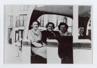 Tram ar y prom yn Aberystwyth