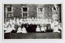 Staff Ysbyty Ffordd y Gogledd, Aberystwyth c. 1920
