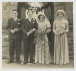 Priodas E.P. Jones a Betha Hughes 1949