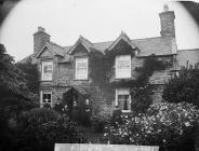 Rowlands family and their house